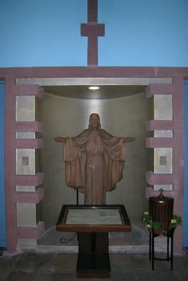 Einladender Christus unter der Empore